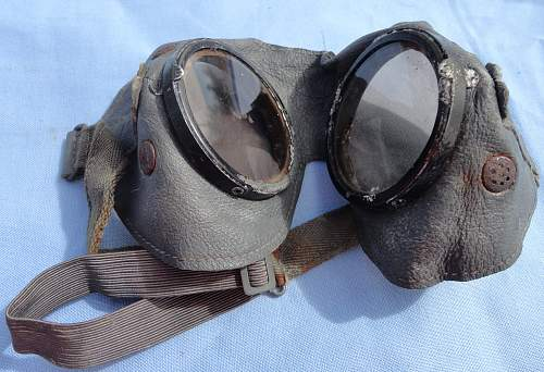 nice goggles in packet