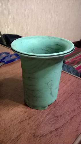 WWII German Green Bakelite canteen cup. REAL or Reproduction??