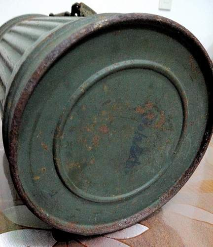 ww2 german gas mask container