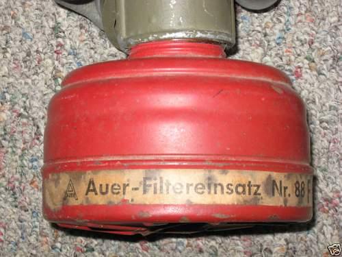 Click image for larger version.  Name:LUFTSCHUTZ GAS MASK & CANISTER 100% ORIGINAL8.jpg Views:263 Size:70.1 KB ID:83049