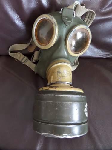 Fea market found gas mask