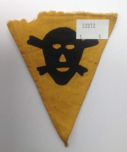 Click image for larger version.  Name:Anti Gas warning pennant.jpg Views:5 Size:197.3 KB ID:840640