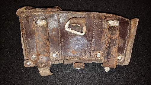 Click image for larger version.  Name:2_German Ammo Pouch.jpg Views:43 Size:230.4 KB ID:850451