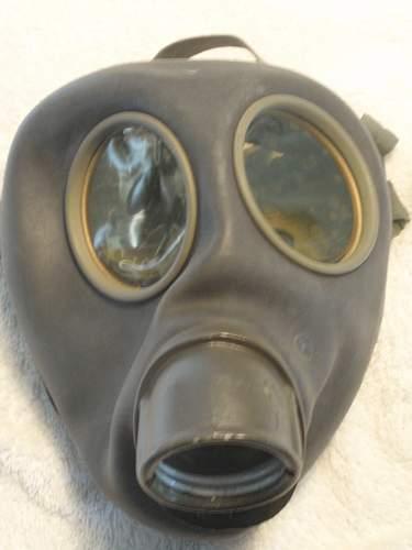 Click image for larger version.  Name:German civil gasmask model 1939_1.jpg Views:69 Size:91.9 KB ID:853181