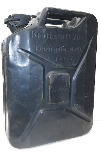 Click image for larger version.  Name:1943 dated German 'MIAG' 20l fuel can 001.jpg Views:74 Size:214.3 KB ID:857034