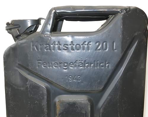 Click image for larger version.  Name:1943 dated German 'MIAG' 20l fuel can 002.jpg Views:96 Size:220.3 KB ID:857035