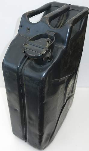 Click image for larger version.  Name:1943 dated German 'MIAG' 20l fuel can 004.jpg Views:112 Size:205.7 KB ID:857037