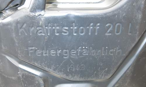 Click image for larger version.  Name:1943 dated German 'MIAG' 20l fuel can 005.jpg Views:59 Size:218.1 KB ID:857038