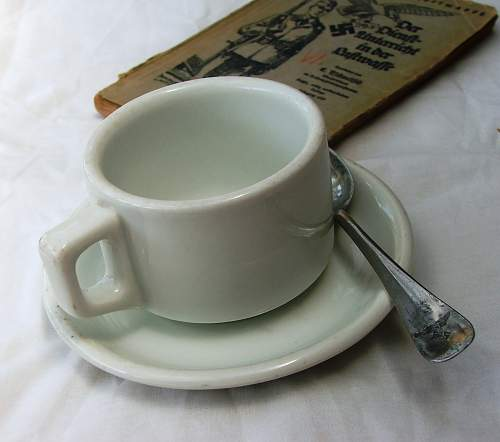 Click image for larger version.  Name:Luftwaffe cup and saucer 001.jpg Views:130 Size:167.9 KB ID:858418
