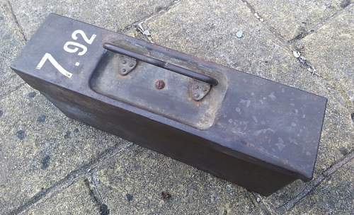 MG42 Ammo tin with Israel markings?