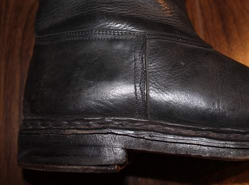 Are these period officer riding boots ?