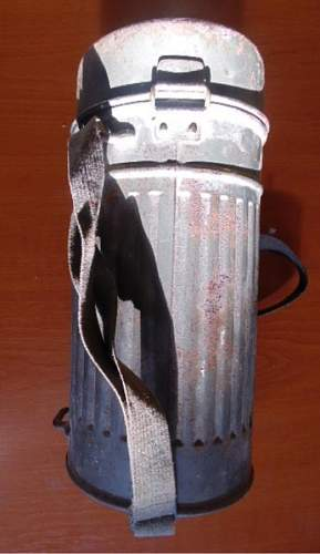 Need help with this Auer gasmask canister