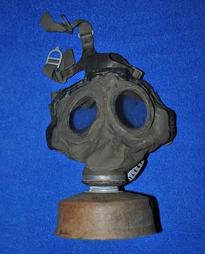 Gas mask M44