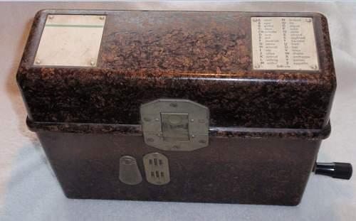 Click image for larger version.  Name:Feldfernsprecher 33 1939_1.JPG Views:110 Size:80.5 KB ID:959442