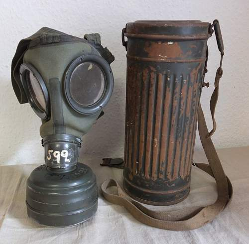 A new gasmask can set pick-up...(my 5th can)