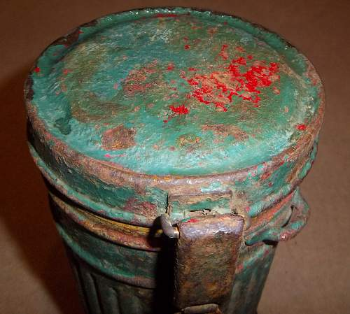 canister in 1000 colors