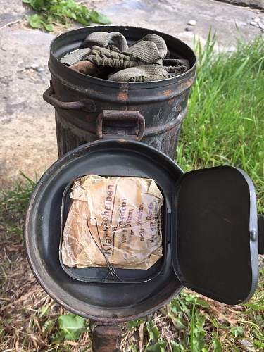 Another winter camo gas can set...