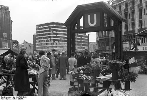 Click image for larger version.  Name:Bundesarchiv_Bild_183-R0210-324,_Berlin,_Potsdamer_Platz.jpg Views:17 Size:66.6 KB ID:978816