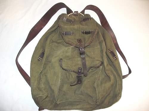 WW2 rucksack - but which type?