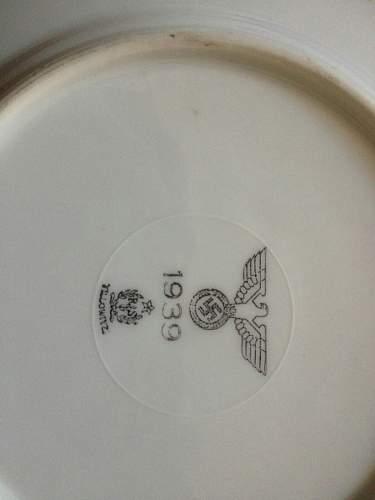 Set of plates, fake or genuine?