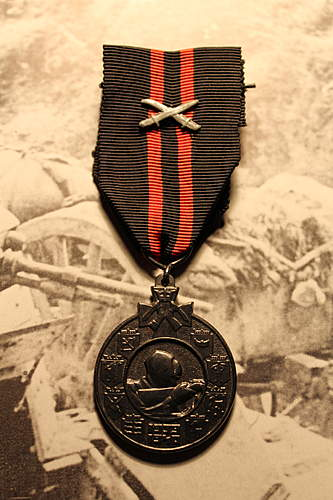Finnish The Commemorative Medal of the Winter War 1939-40 with Swords.