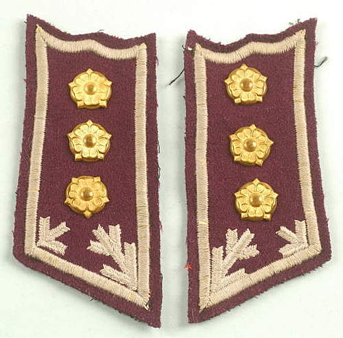 Click image for larger version.  Name:Finnish Engineer Officer collar tabs.jpg Views:243 Size:40.3 KB ID:396356