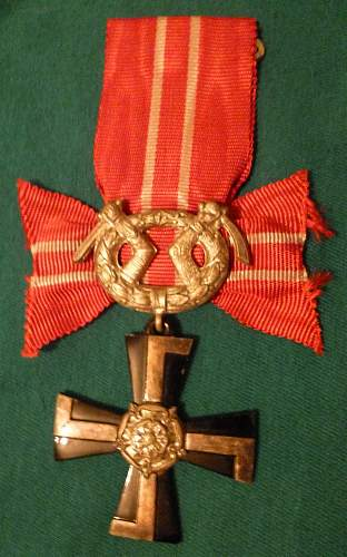 Click image for larger version.  Name:my Finnish Cross of Liberty 4th Class 1939 front.jpg Views:299 Size:221.6 KB ID:409316