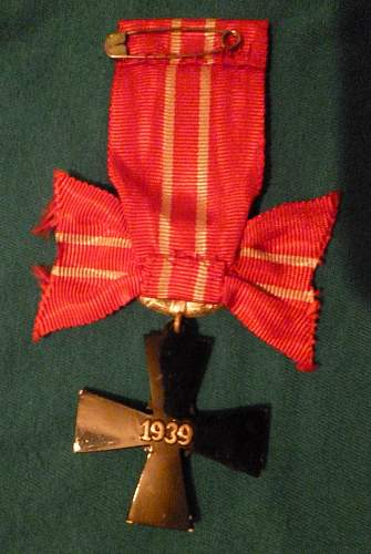 Click image for larger version.  Name:my Finnish Cross of Liberty 4th Class 1939 back.jpg Views:143 Size:226.6 KB ID:409318