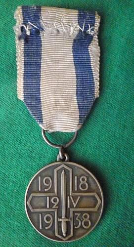 Click image for larger version.  Name:my Commemorative Medal  for the Capture of Helsinki (Helsingin valloituksen muistomitali) medal .jpg Views:96 Size:248.6 KB ID:413982