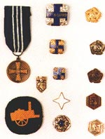 Name:  Lotta medals and badges NB unknown badge of mine.jpg Views: 220 Size:  8.2 KB
