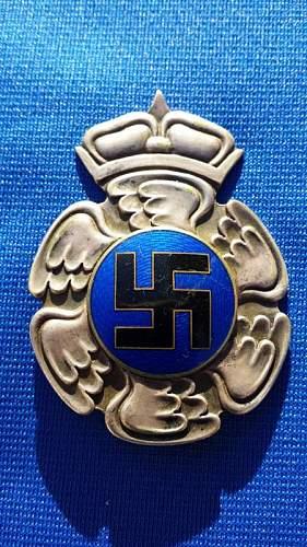 Click image for larger version.  Name:Pilots Badge 1.jpg Views:81 Size:72.5 KB ID:804314
