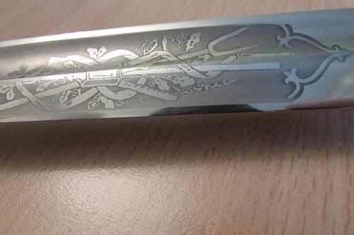 Fire bayonet with a motif pattern