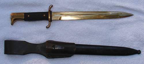 Identify and estimate value on this dagger