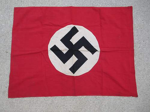 Parteiflagge for Review