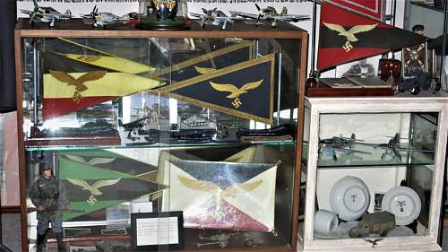 A few Luftwaffe vehicle pennants and things.