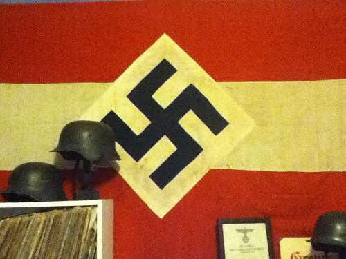 Click image for larger version.  Name:Hitler youth banner 675.00.jpg Views:175 Size:71.5 KB ID:728553