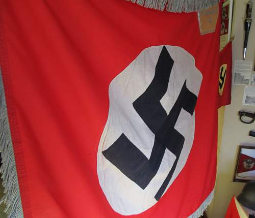 Click image for larger version.  Name:WW2 NAZI PARTY PARADE FLAG 1-22.jpg Views:50 Size:199.7 KB ID:787966