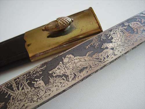 Etched hunting dagger by Eickhorn