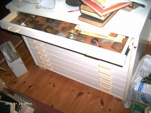 Click image for larger version.  Name:Schrank 003.JPG Views:160 Size:181.2 KB ID:131370