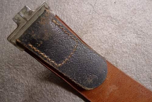 Questions about a Late War belt?