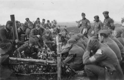 Click image for larger version.  Name:Die Reichstagsrede des F�hrers in der Flakstellung bei Lomgarden copy.jpg Views:115 Size:158.8 KB ID:100017