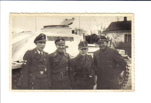 Click image for larger version.  Name:DAS REICH WAFFEN SS PANZER CREW PIC.jpg Views:1184 Size:93.4 KB ID:119683