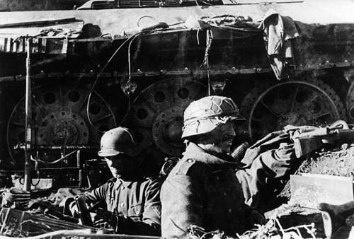 German soldiers within stalingrad city