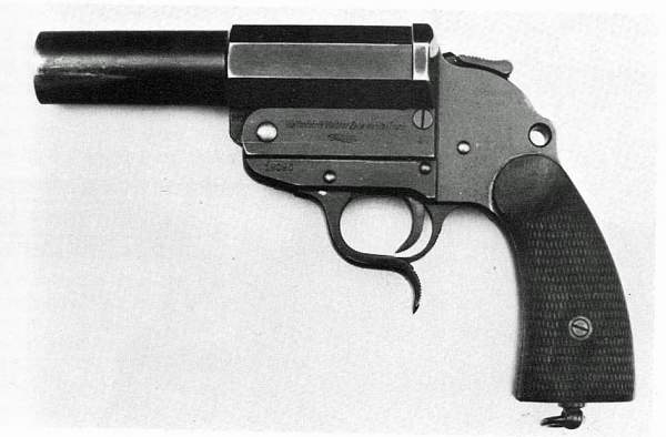 Click image for larger version.  Name:flare pistol.jpg Views:347 Size:100.7 KB ID:17157