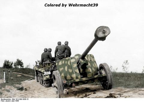 Name:  Copy (3) of tractorPaK40_Russland_Jun44a.jpg