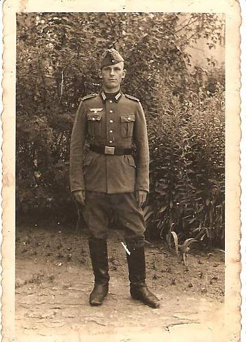 Grandmother's brother photo - Tunic identification