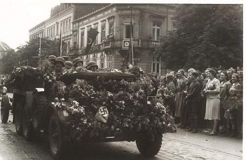 Click image for larger version.  Name:parade 001.jpg Views:1940 Size:224.0 KB ID:189955