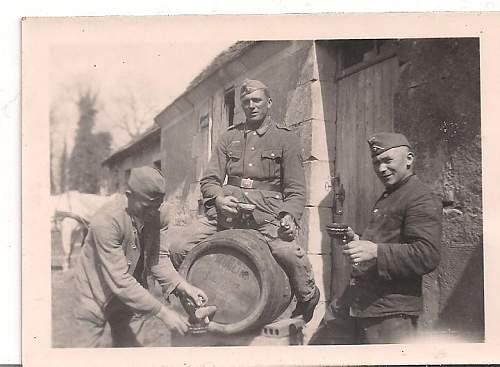 Click image for larger version.  Name:german tank photos 003.jpg Views:62 Size:50.7 KB ID:192700