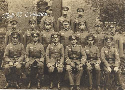 Click image for larger version.  Name:officer with caps gd one 001_final.jpg Views:183 Size:250.4 KB ID:195345