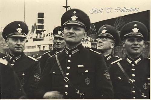 Click image for larger version.  Name:Polizei officers Schutz 001_final.jpg Views:611 Size:235.3 KB ID:200402